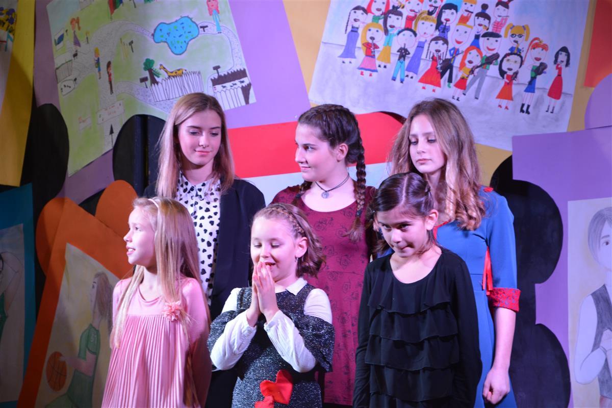 2016_12_14_otroci_pojejo_na_olgici-68