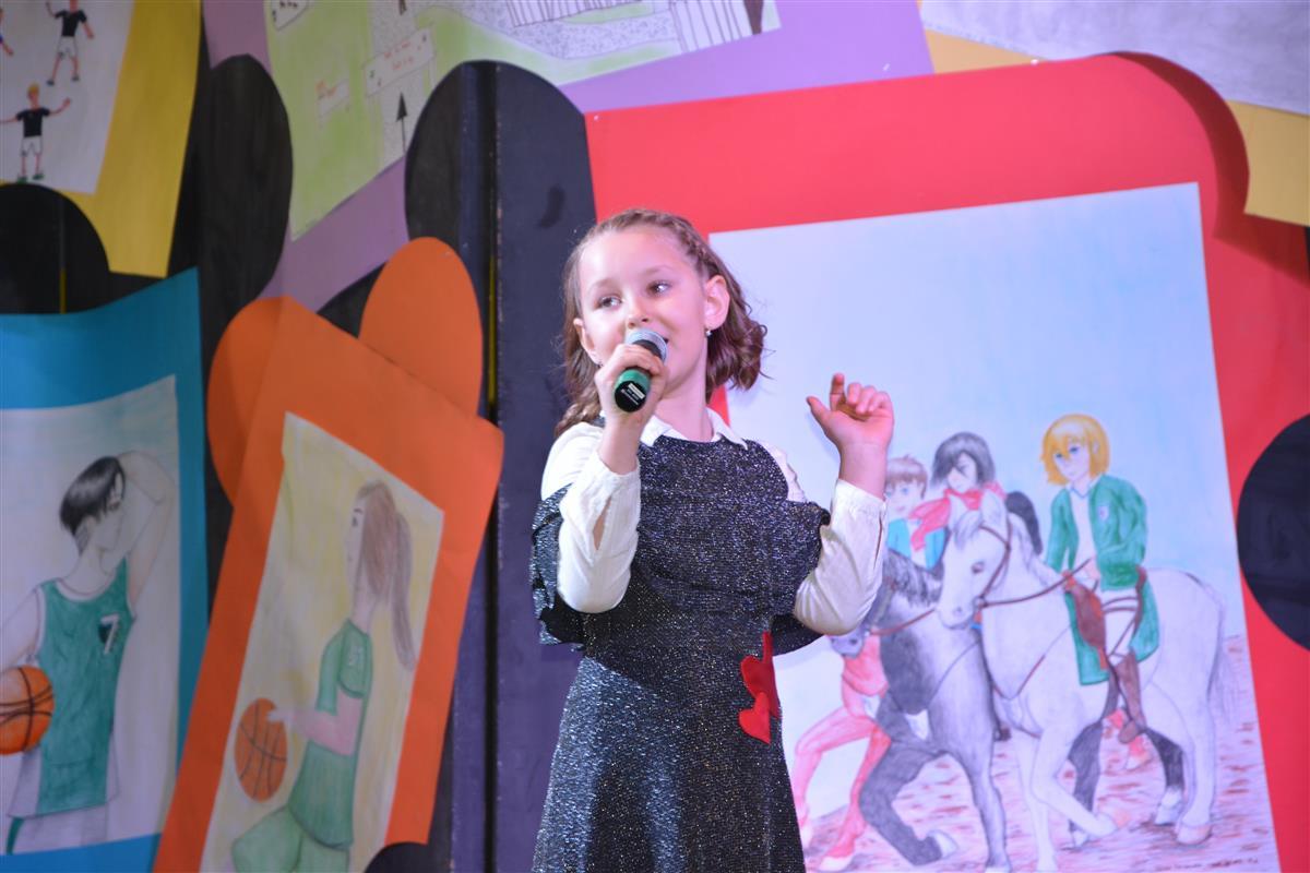 2016_12_14_otroci_pojejo_na_olgici-9
