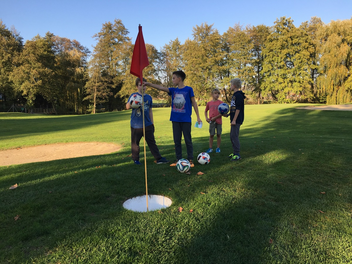 2017_10_19_footgolf-13