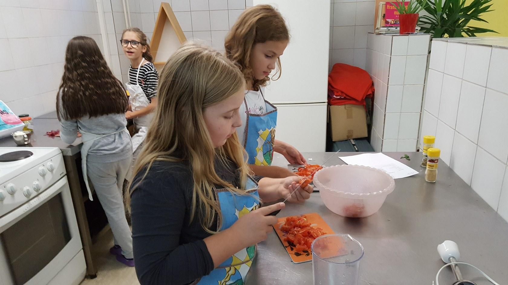 tekmovanje-v-pripravi-namazov-4_1680x945