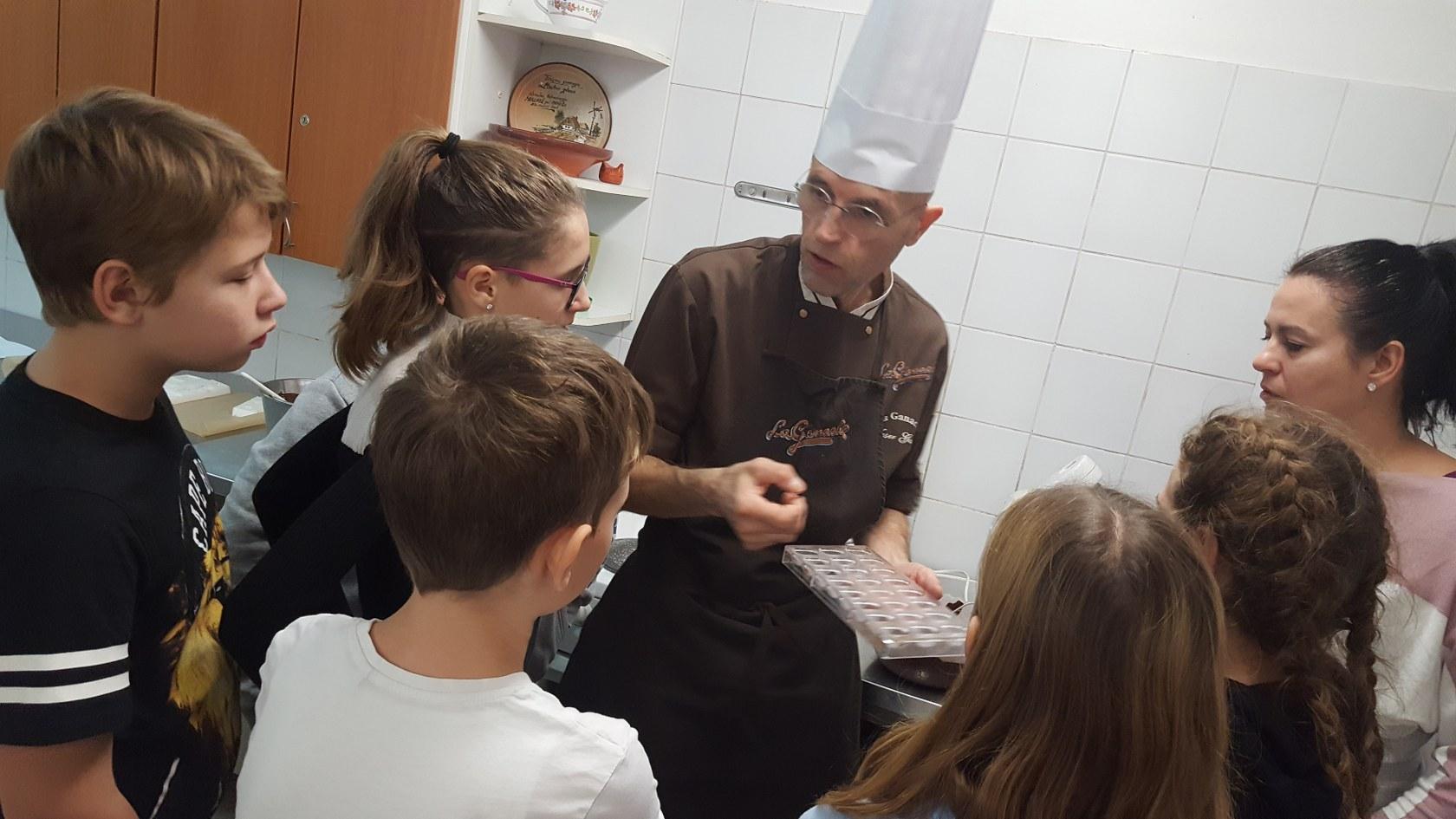 2019_11_12_delavnica_izdelave_cokoladnih_pralin-13