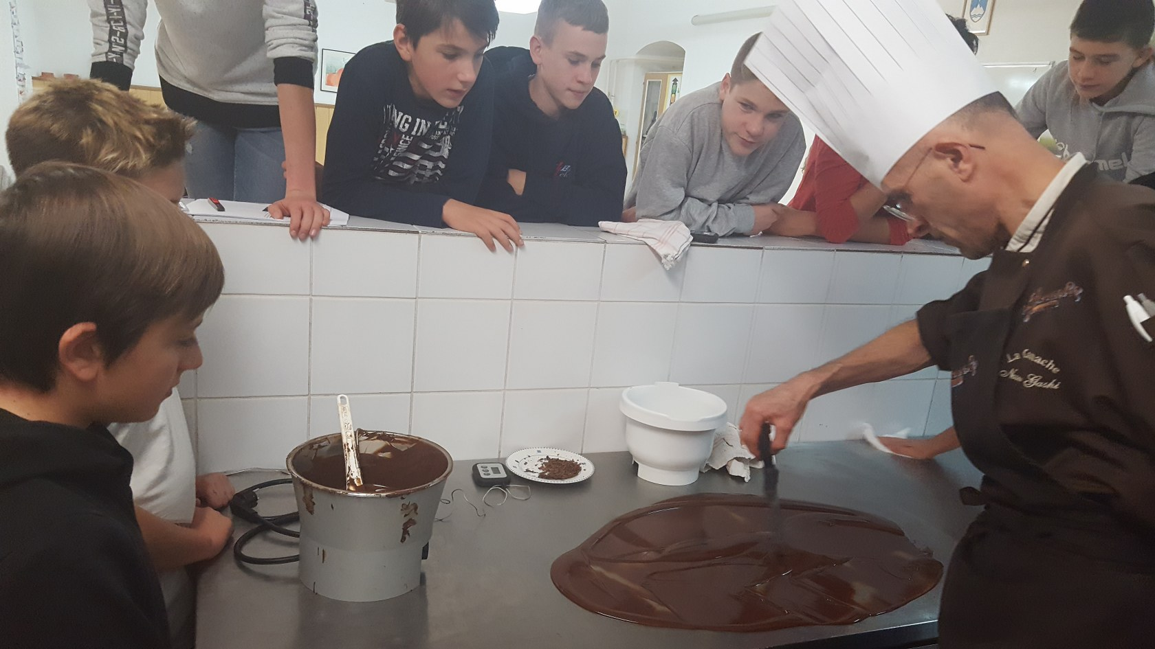 2019_11_12_delavnica_izdelave_cokoladnih_pralin-52