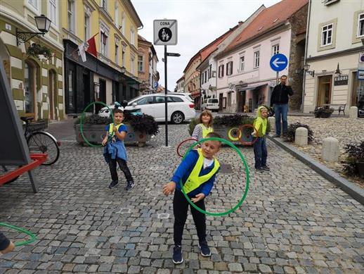 2020_09_18_ulice_otrokom-2